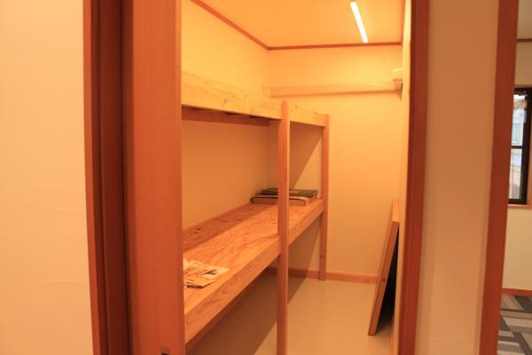 2階収蔵庫