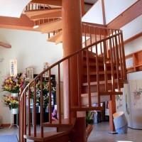 木製螺旋階段 大町文庫